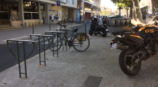 Bonne nouvelle, les arceaux vélos sont arrivés