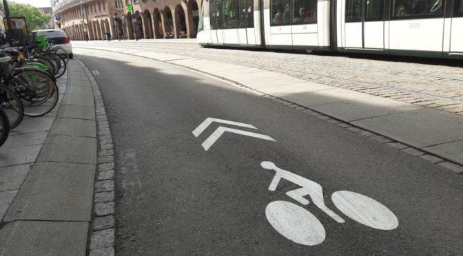 La vélorue, ou comment rendre cyclable une rue étroite