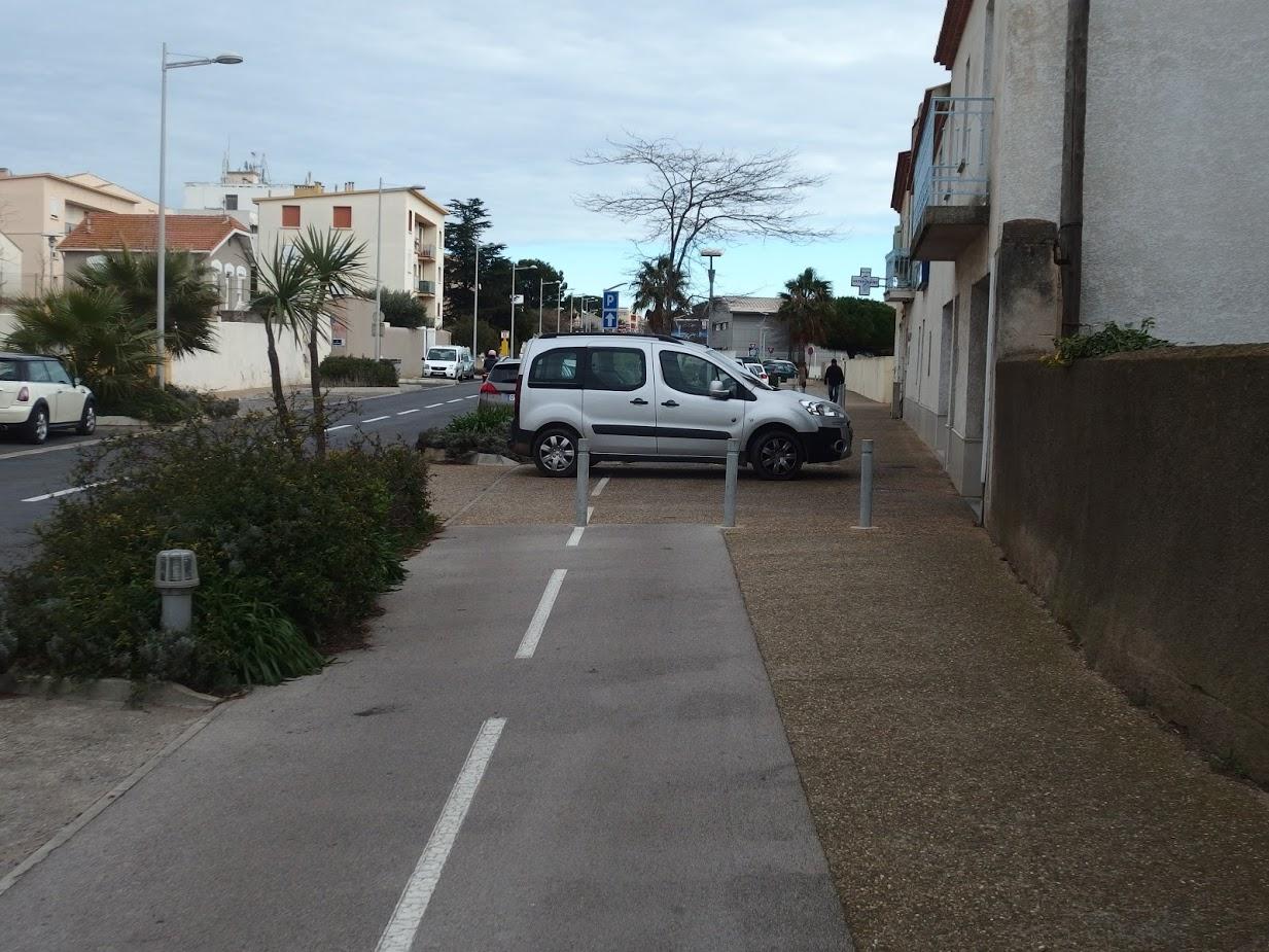 Piste cyclable Boulevard Joliot-Curie à Sète