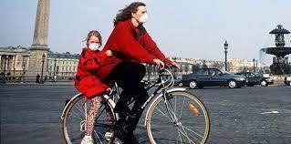 Restez chez vous ! Pour les déplacements absolument obligatoires, envisagez la solution vélo : efficacité, santé et distanciation